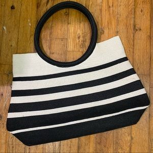 NWOT No Brand Tag Woven Paper Round Handle Color Block Bag Black White